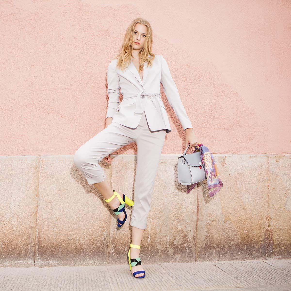 Petra: Boje u svijetu poslovne mode